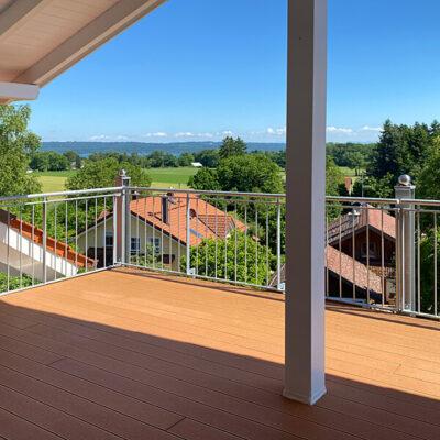 Utting-Holzhausen: Verkauf Dachgeschosswohnung am Ammersee – Aussicht vom Balkon
